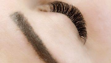 What Lash Stylists and Ophthalmologists Say about Eyelash Extensions